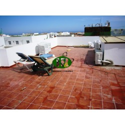Apartment with 2 bedrooms and 1 bathroom on about 130 sqm in 3. Floor. With a very large terrace - 8