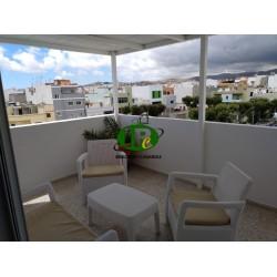 Wohnung mit 2 Schlafzimmern in oberer Etage mit Fahrstuhl und schöner Terrasse