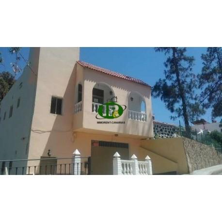 Casa individual en 196 metros cuadrados con 6 dormitorios y 2 baños en 2 niveles - 1