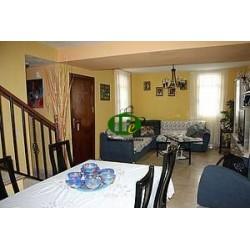 Дуплекс с 3 спальнями и 2 ванными комнатами на 95 кв.м жилой площади
