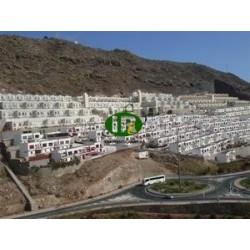 Casa duplex con 3 dormitorios, 2 baños y gran terraza en 25 metros cuadrados con vistas a la montaña
