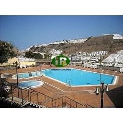 Bungalow dúplex con dos dormitorios y dos baños en 100 metros cuadrados y terraza